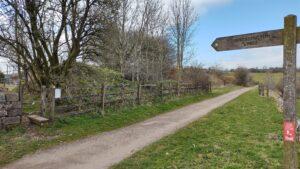 Fingerpost to Brassington